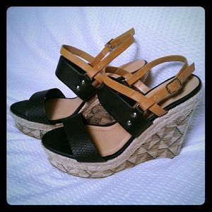 Soda Wedges in gently used condition size 10